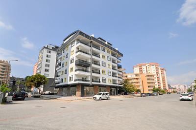 Квартира 1+1 от застройщика в новом жилом комплексе в Махмутларе